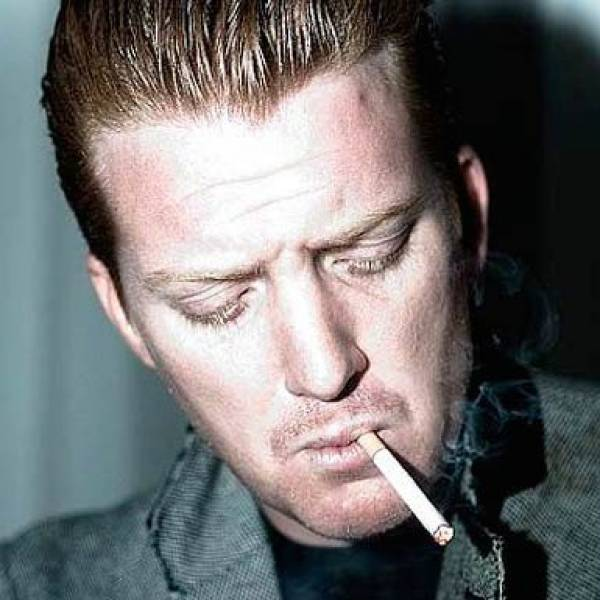 actualit josh homme r agit un message de soutien de fans adress aux eodm albumrock. Black Bedroom Furniture Sets. Home Design Ideas